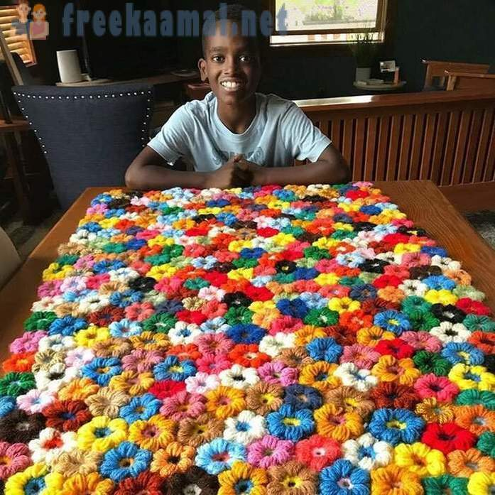 11-year-old student knits so that grandmother envy