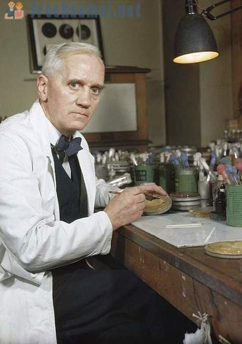 Alexander Fleming and his drawings of microorganisms