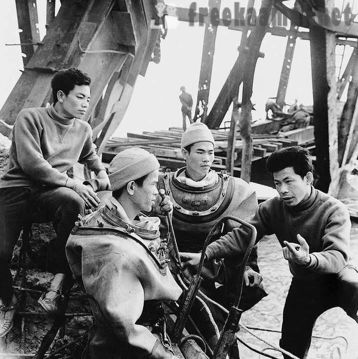 Rare Photos Of The Vietnam War, Viet Cong Guerrillas Made
