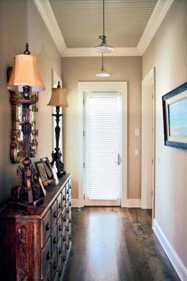 How to Put everything you need in a narrow hallway