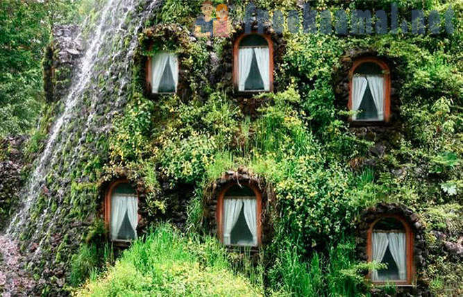 The most unusual hotels and restaurants
